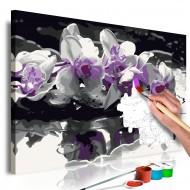Tableau à peindre par soimême  Orchidée violette (fond noir et reflet dans leau)