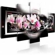 Tableau  Magnolias on a black background